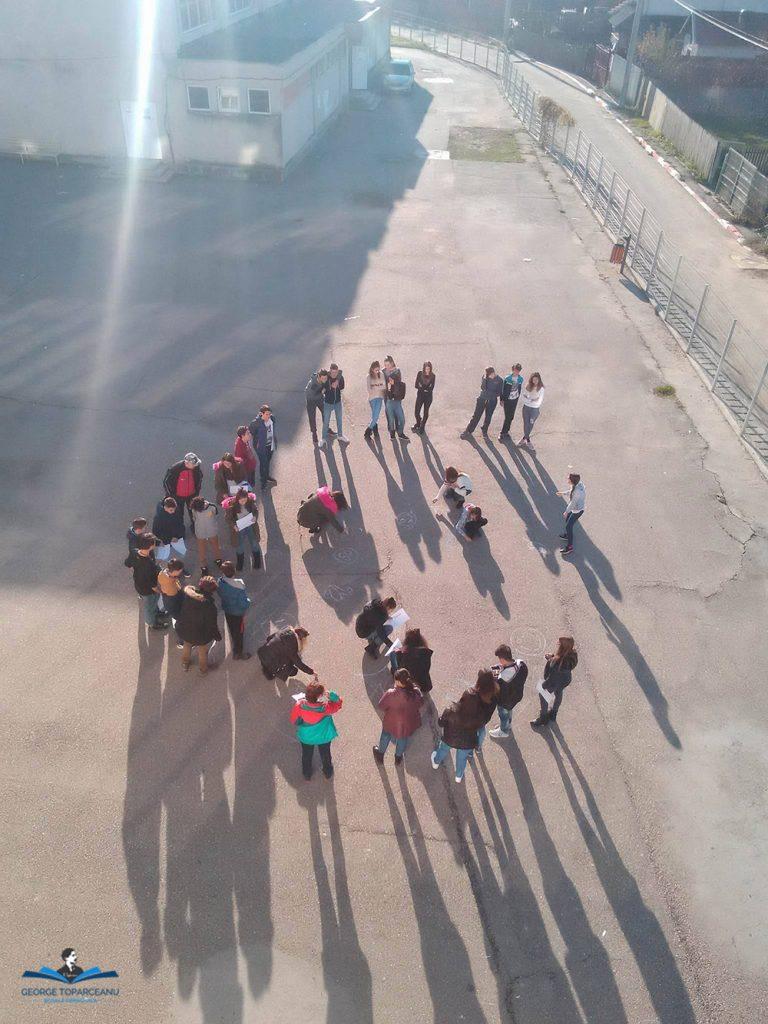 """Galerie foto""""Împreună pentru pace"""" au spus elevii Școlii Gimnaziale """"George Topârceanu"""""""